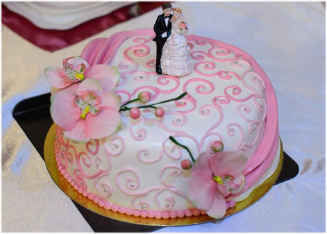 Wedding Cake Wallpaper Images Photo Pictures Pics for husband wife